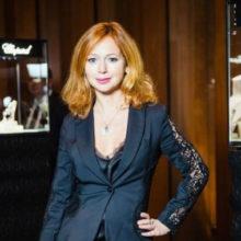 Елена Захарова поразила идеальной фигурой спустя месяц после родов