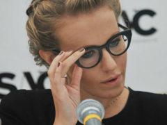 Российский певец опубликовал целую серию компрометирующих Ксению Собчак снимков
