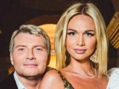 Виктория Лопырева в откровенном наряде оказалась в центре внимания на свадьбе Тарасовых
